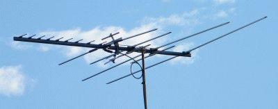 Что-то вроде вот такой антенны было у меня в детстве